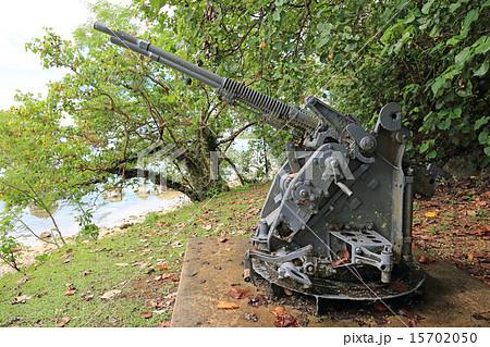グアムの戦争遺跡、旧日本軍の高射砲 15702050