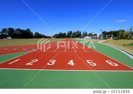 和田堀公園陸上競技場の写真素材 15711856 Pixta
