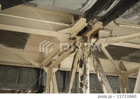 老朽化した橋 15723860