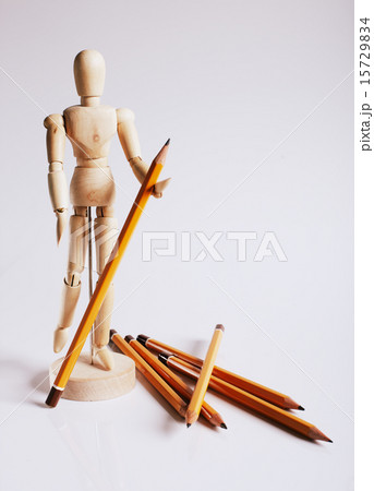Wooden mannequin for painting with pencils on a white backgroundの写真素材 [15729834] - PIXTA