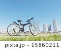 青空の下の自転車 15860211