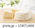 カマンベールチーズ 15871466