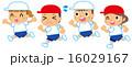 走る子供達 16029167