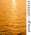 水 夕日 夕焼の写真 16094414