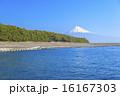 三保の松原からの駿河湾と富士山 16167303