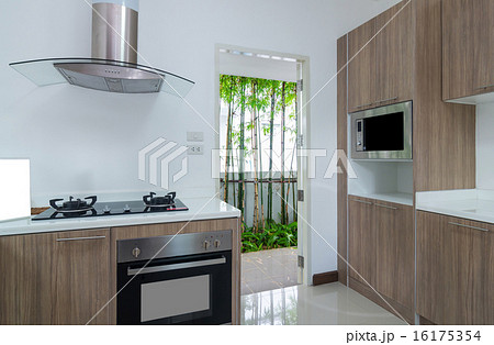 Interior kitchen with electricの写真素材 [16175354] - PIXTA