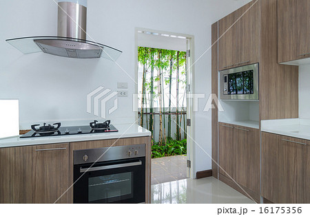 Interior kitchen with electricの写真素材 [16175356] - PIXTA