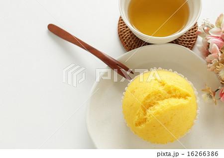レモンの蒸しケーキの写真素材 [16266386] - PIXTA