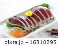 魚料理 鰹のたたき 鰹の写真 16310295