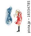 赤いコートの女性と雪 16334785