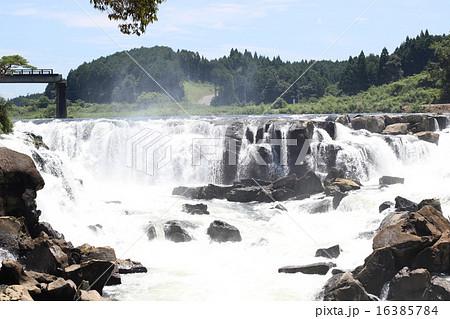 Water fall_鹿児島県 曽木の滝 橋撤去中 16385784