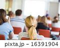 授業 教える 学生の写真 16391904