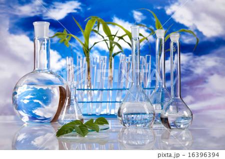 Chemical laboratory glassware, bio organic modern の写真素材 [16396394] - PIXTA