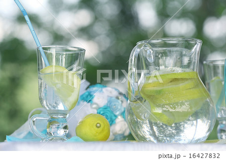 homemade lemonade on the tableの写真素材 [16427832] - PIXTA