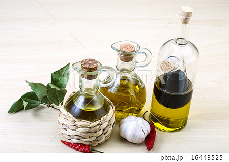Olive oil in the bottlesの写真素材 [16443525] - PIXTA