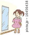 洋服のショッピングを楽しむ女の子 16456438