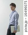 ノートパソコン クリエーター ビジネスマンの写真 16496075