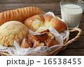 パン 16538455