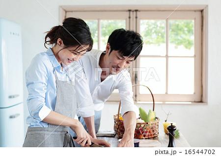 オーガニックキッチン カップル 16544702