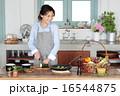 切る ズッキーニ 料理の写真 16544875