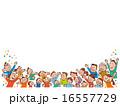 注目する大勢の人たち03 16557729