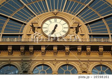 Railway station Keleti in Budapest 16598161