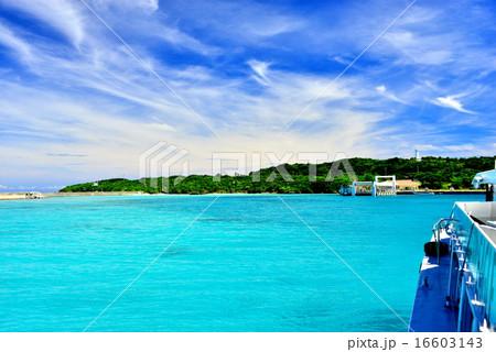 沖縄の離島 鳩間島の高速船からの風景写真 16603143
