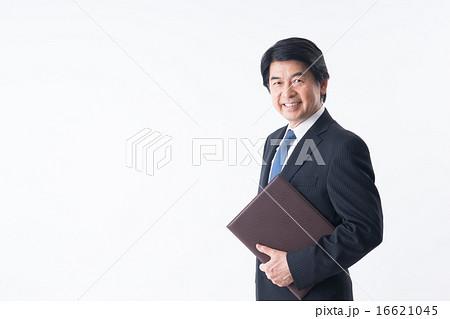 ミドルのビジネスマン 16621045