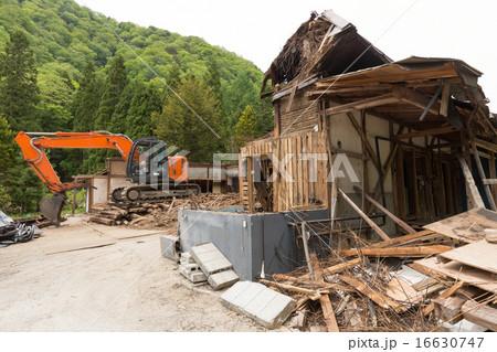 古民家の解体  16630747