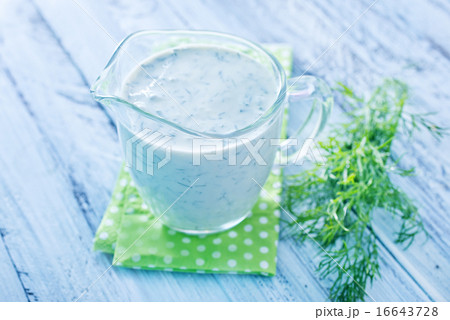white sauceの写真素材 [16643728] - PIXTA