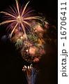スターマイン 夏祭り 打ち上げ花火の写真 16706411