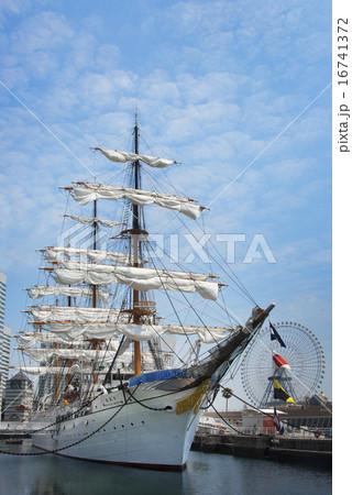 帆船日本丸の総帆展帆 16741372