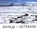 火山 リカンカブール 雪晴れの写真 16756440