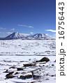 火山 リカンカブール 雪晴れの写真 16756443