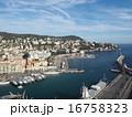 ニースの海と街 16758323