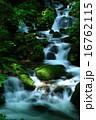 夏の滝 16762115