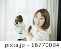 人物 笑顔 女性の写真 16770094