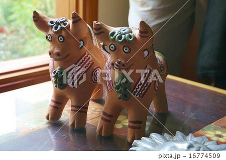 プカラ牛 16774509