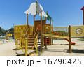 子供 公園の遊具 16790425
