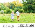 ファミリー 家族 少年の写真 16813169