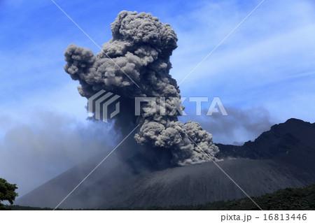 平成27年6月 桜島火口からの爆発的噴火を撮る 16813446