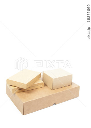 Small brown cardboard boxes stackedの写真素材 [16875860] - PIXTA
