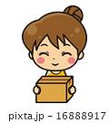 ダンボールと女性【コミカル・シリーズ】 16888917