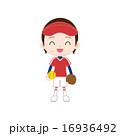 ソフトボール ボールとグローブを持つ女の子 16936492