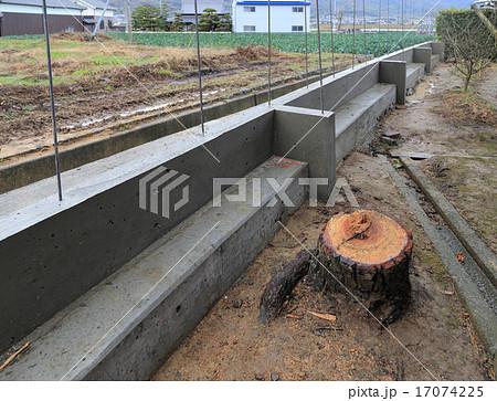 ブロック塀工事の基礎と立ち上がりが完了 17074225