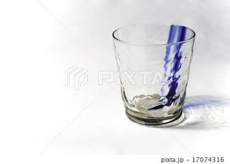 ガラスのコップ(模様付)の写真素材 [17074316] - PIXTA