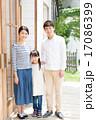 玄関 ファミリー 家族の写真 17086399
