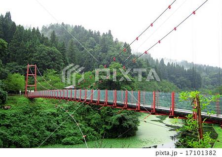 新潟県 下条川ダム 吊り橋 17101382