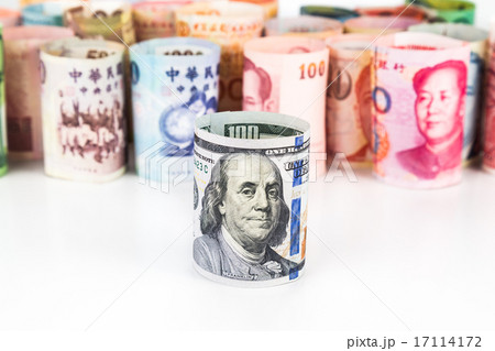 Group of money with US Dollar in frontの写真素材 [17114172] - PIXTA