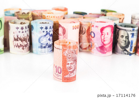 Group of money with Malaysia Ringgit in frontの写真素材 [17114176] - PIXTA